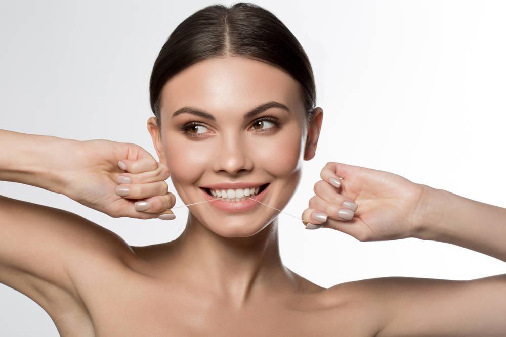Si no cuidas tus dientes y encías, estás poniendo en riesgo tu salud